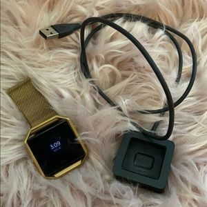 Fit Bit Blaze with Charger & Gold Magnetic Band